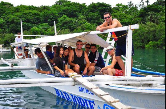 Filipina ladies Western men party on boat