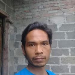 Somali, 19790202, Kediri, Jawa Timur, Indonesia