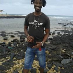 Larsboy, Cape Verde